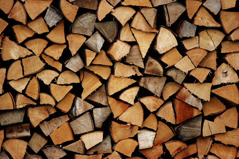 lõhutud küttepuude müük